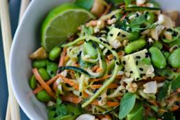 scaling back - Thai peanut zucchini noodles