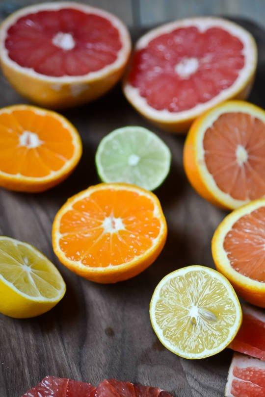 citrus, carrot ginger juice - www.scalingbackblog.com