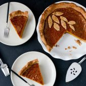 Vegan hazelnut pumpkin pie | Scaling Back