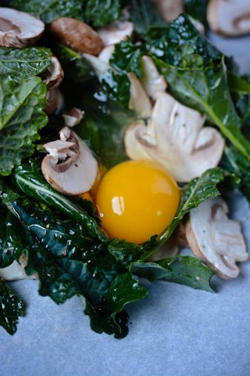 Day 17: parchment baked eggs, mushrooms and kale 30 dishes, ,30 days - Scaling Back