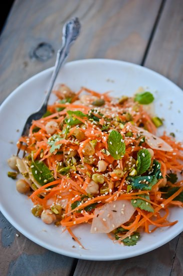 indian-spiced carrot salad - Day 26 of my 30 day challenge - www.scalingbackblog.com