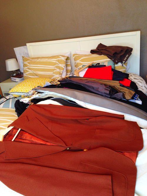 minimal mondays - closet therapy - www.scalingbackblog.com