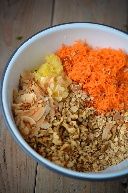 vegan baked carrot cake oatmeal - www.scalingbackblog.com