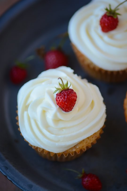 Greek yogurt strawberry cupcakes - www.scalingbackblog.com