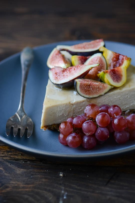 White chocolate faux cheesecake | scalingbackblog.com