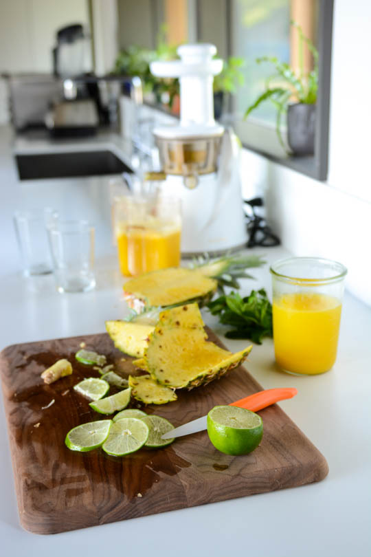 detox coconut pineapple water