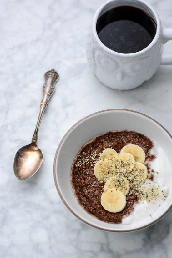 Grain-free nutella porridge - Hemp hearts and hazelnut meal make the perfect porridge, ready in minutes!
