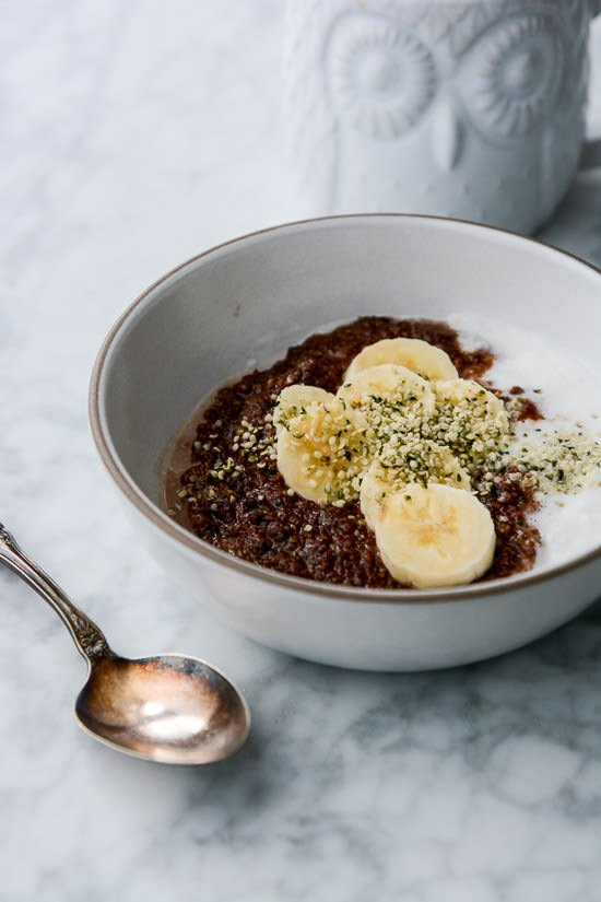 Grain-free nutella porridge - Hemp hearts and hazelnut meal make the perfect porridge, ready in minutes!