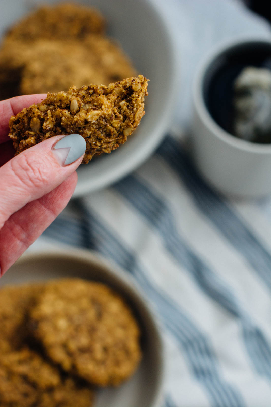 pumpkin hazelnut breakfast cookies and a more thoughtful holiday - these vegan cookies are gluten-free, dairy-free, vegan and perfect for grabbing and running out the door during the busy holiday season! | www.scalingbackblog.com