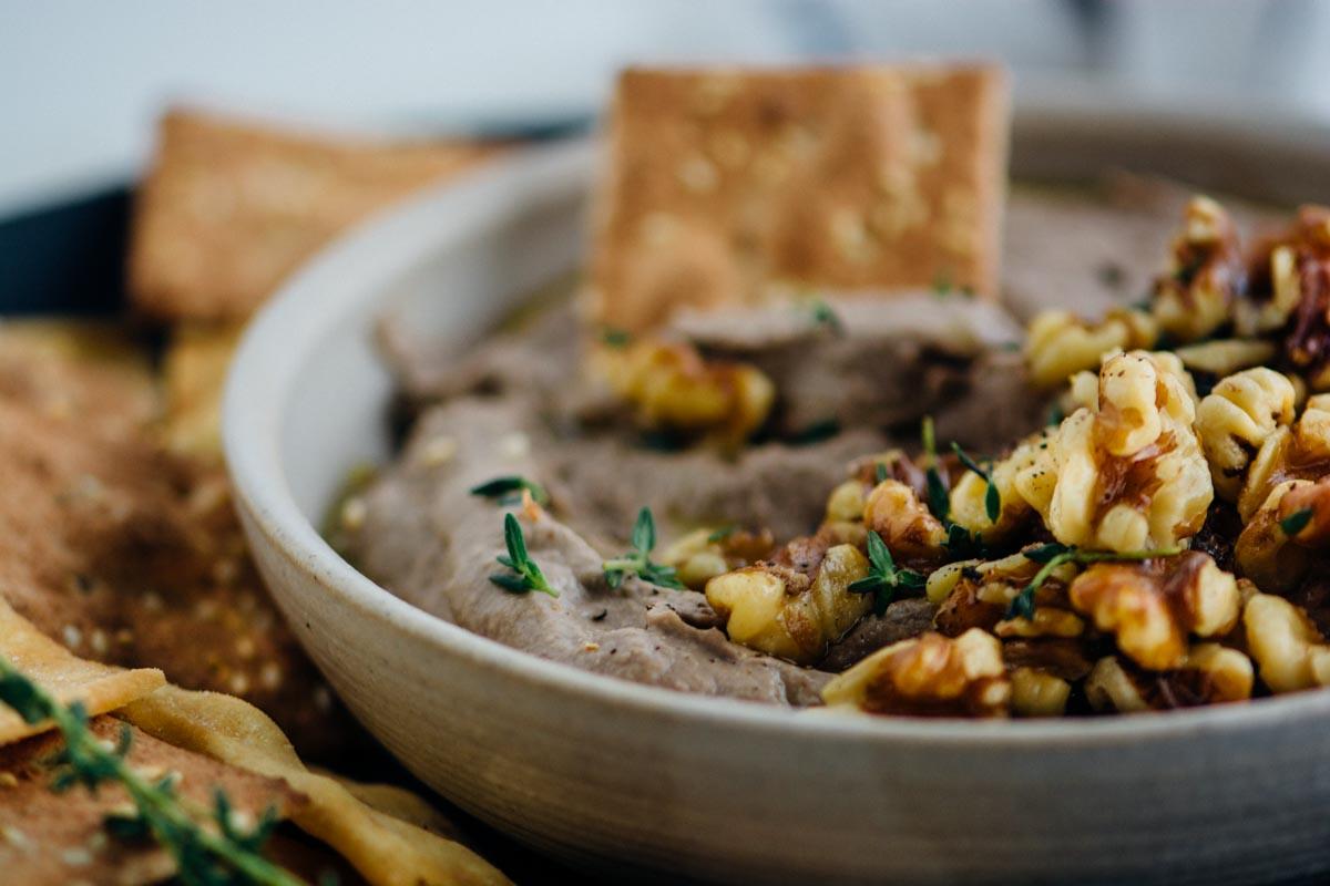 Mushroom Walnut Pate {Vegan} | www.scalingbackblog.com