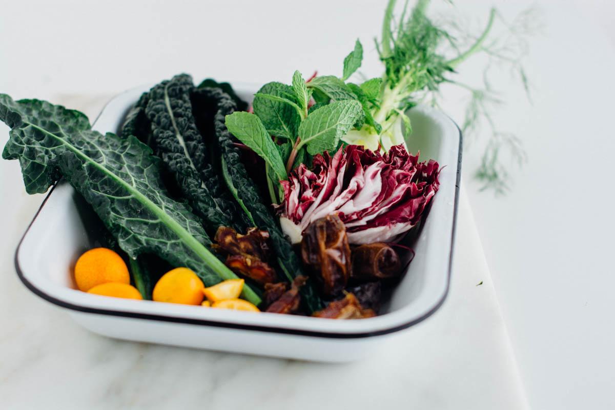Date kumquat radicchio kale salad {vegan} | www.scalingbackblog.com