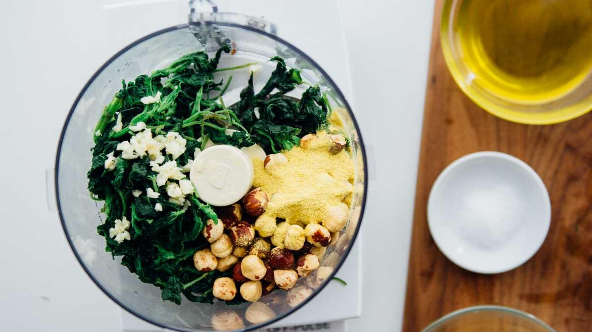 Spring Nettle Pesto {vegan} |www.scalingbackblog.com