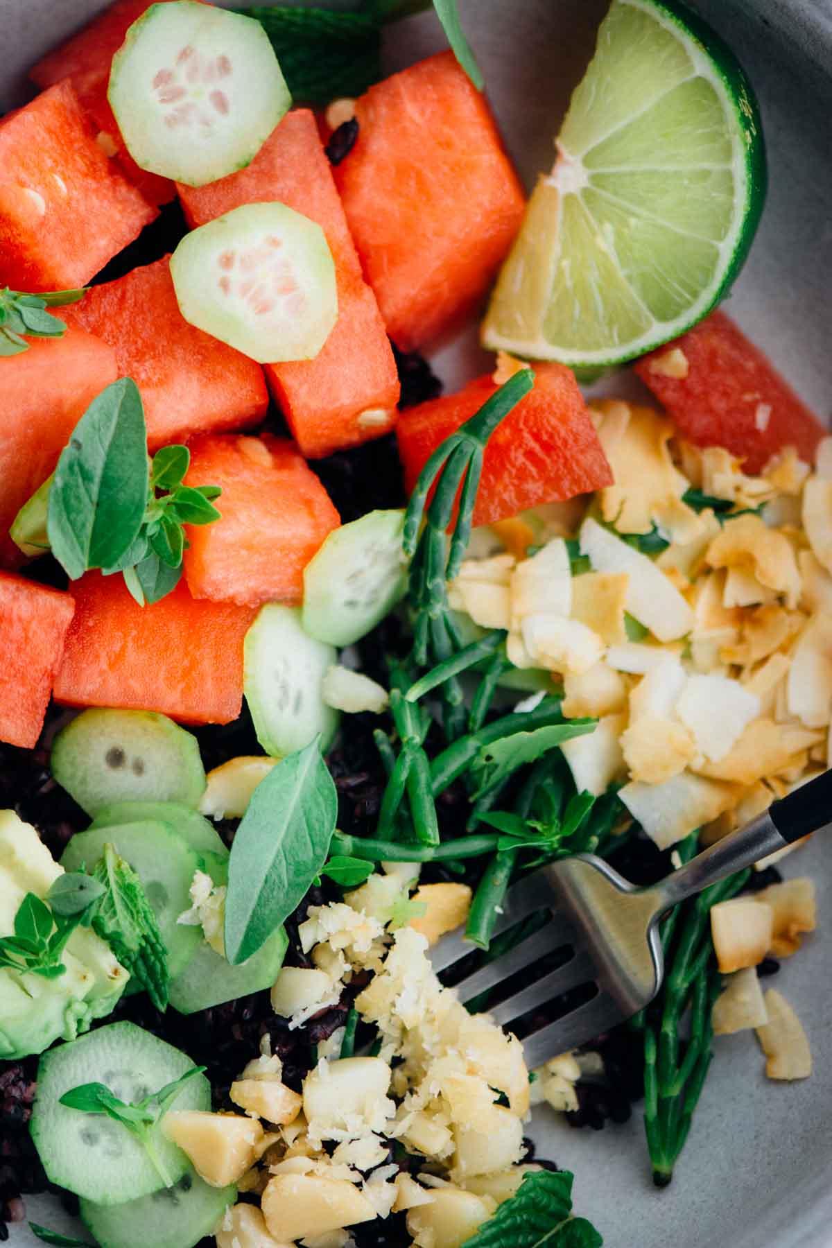 Watermelon Poke Bowl | www.scalingbackblog.com